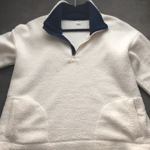 Sherpa sweatshirt w/ pockets, warm, new no tags.